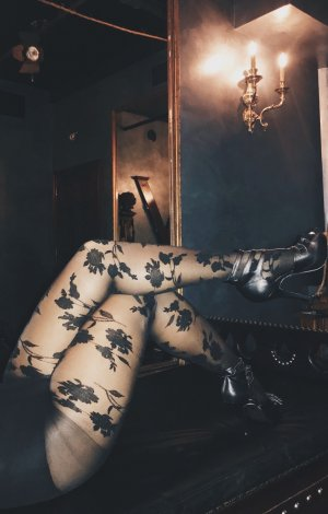 Marie-loetitia call girls in Harrisburg PA, erotic massage