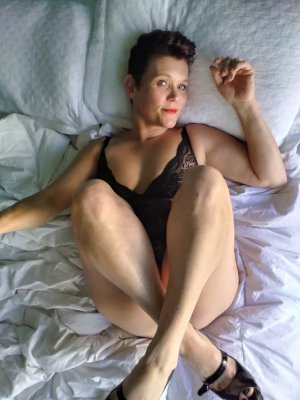 Claire-charlotte tantra massage in Bartlett & call girl