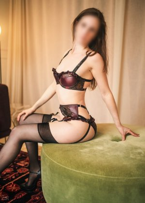 Douchka live escort in Havre