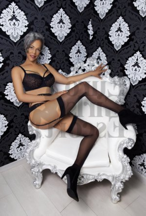 Cateline nuru massage in Crescent City