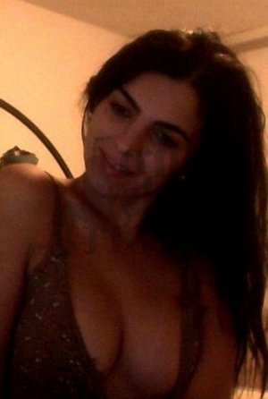 Marouchka vip live escort in Laurinburg