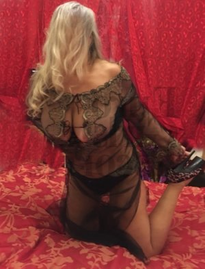 Jolie tantra massage in Muskego
